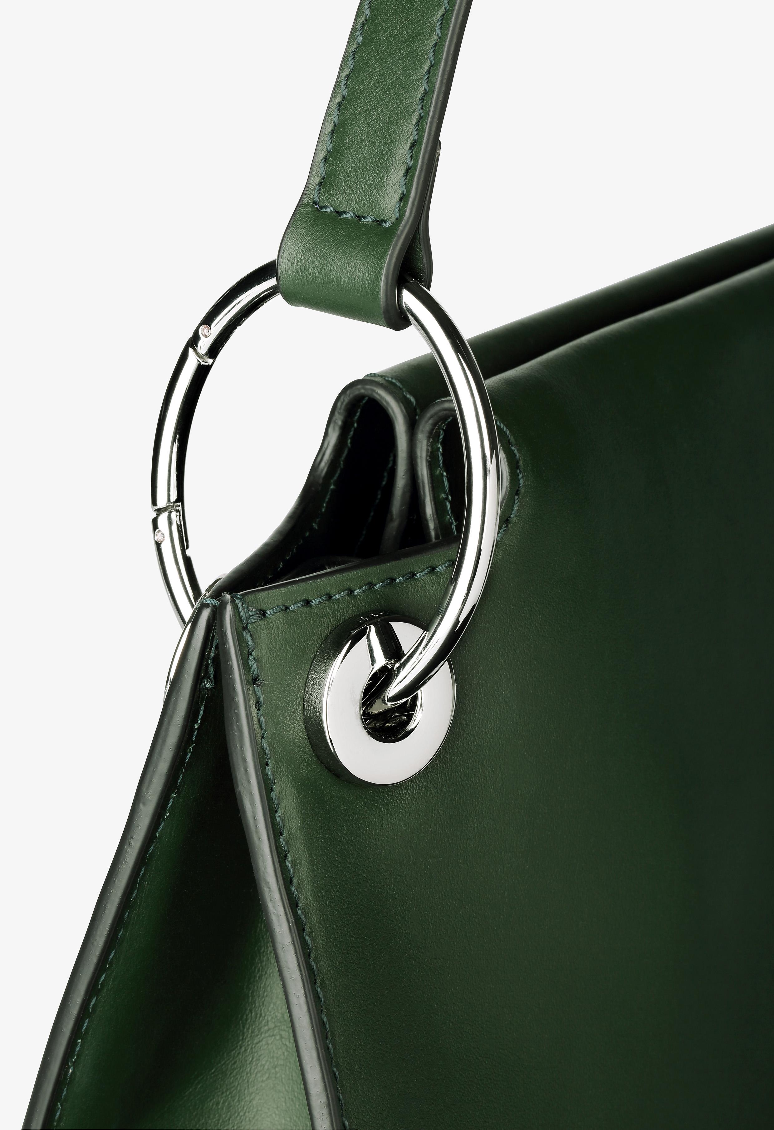 dark green W17