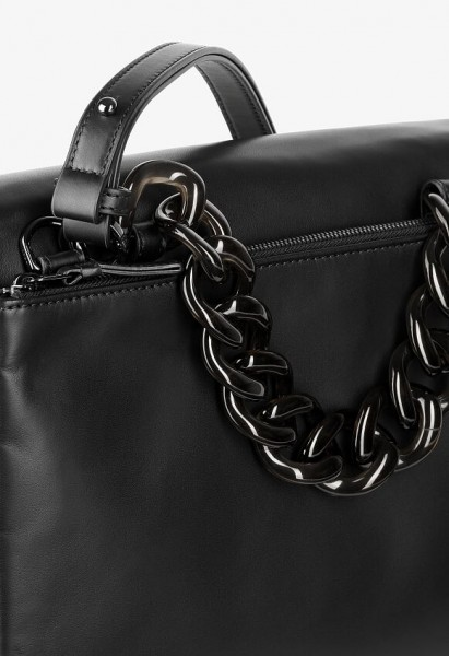black plastic chain W18