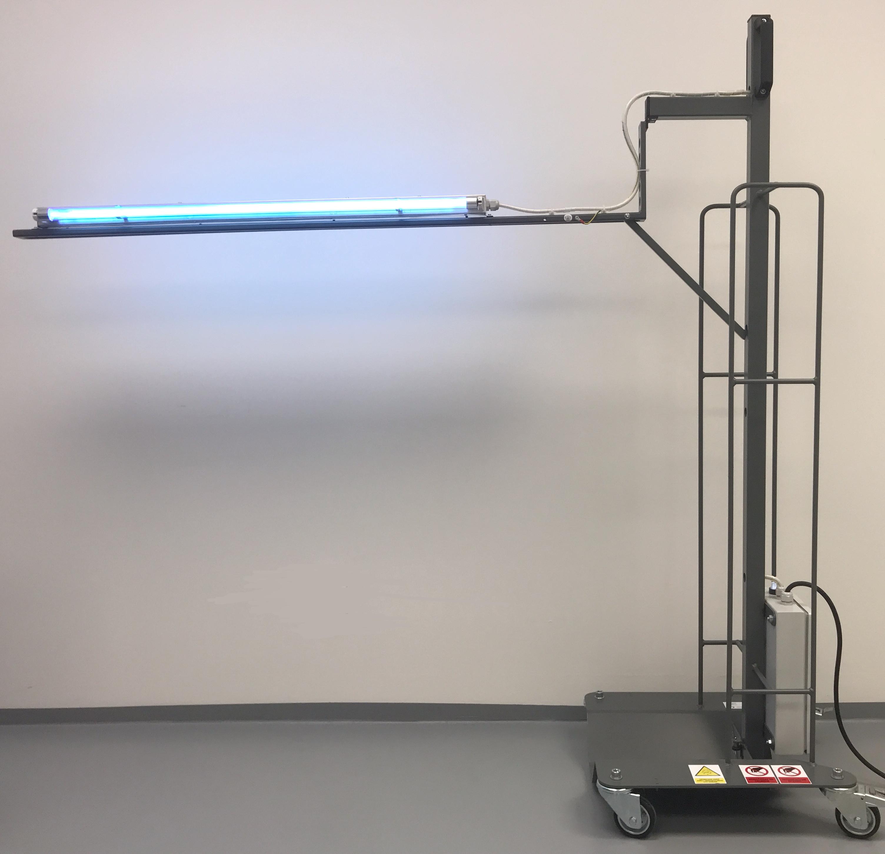 Výklopná UV-C lampa pro dezinfekce prostor, 60W