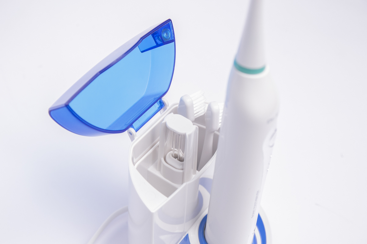 Sonický kartáček s UV sanitizérem GTS2050UV