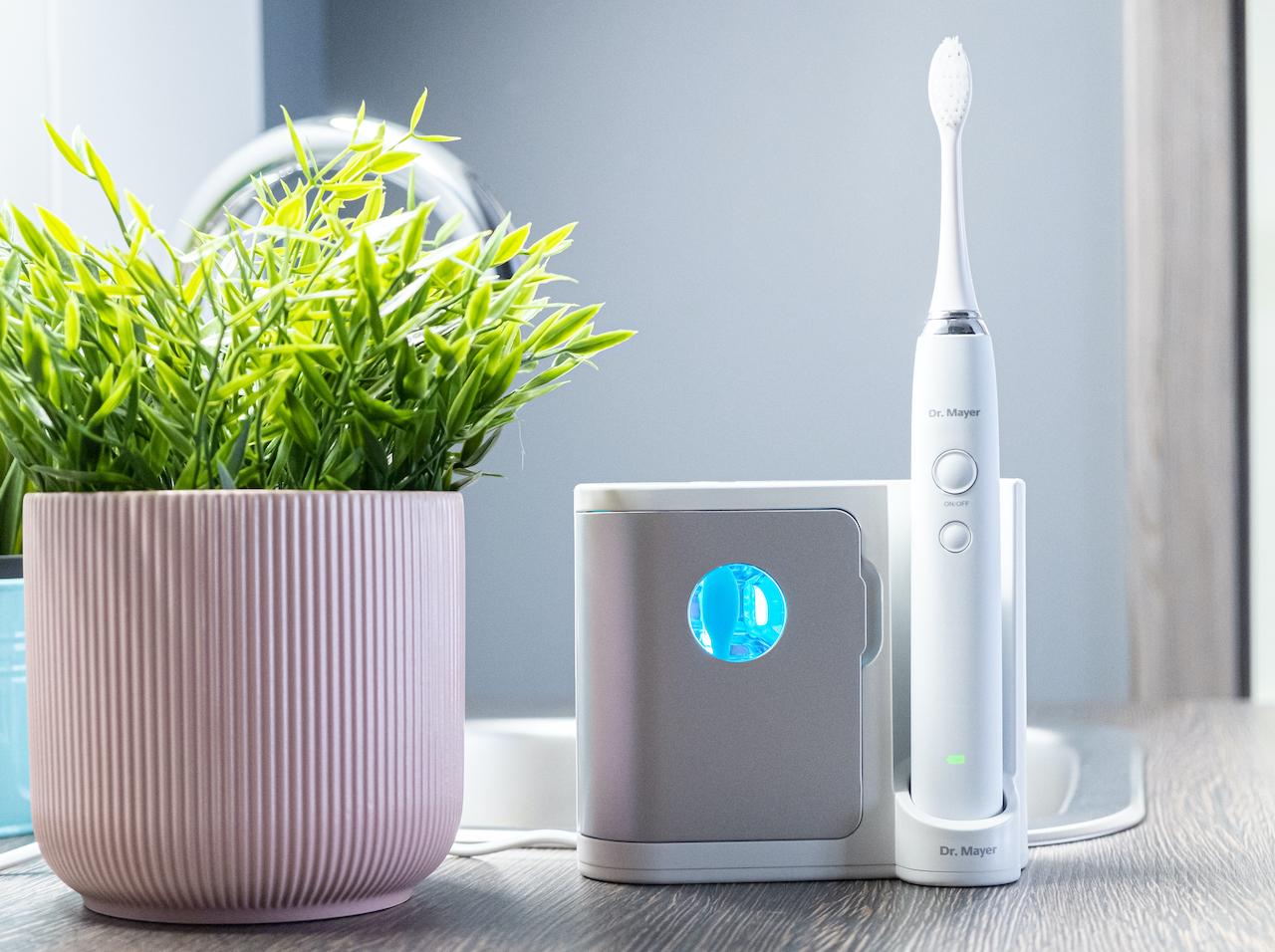 Sonický kartáček s UV sanitizérem  GTS2065UV + Speciální zubní gel