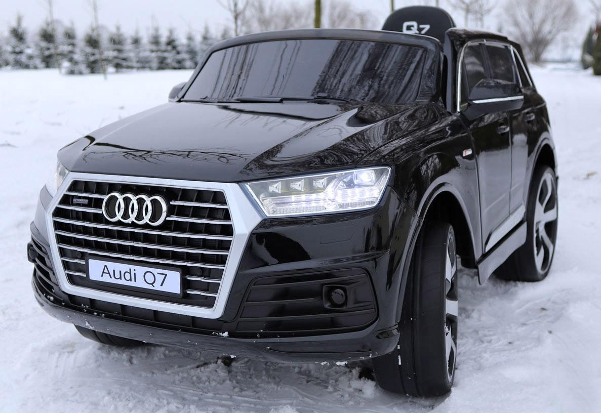 Audi Q7 s 2,4G bluetooth DO, nová palubní deska, EVA kola