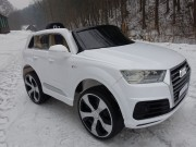 Audi Q7 s 2,4G bluetooth DO, Lak, nová palubní deska, EVA kola