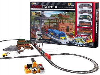 Nákladní vlak s železniční stanici