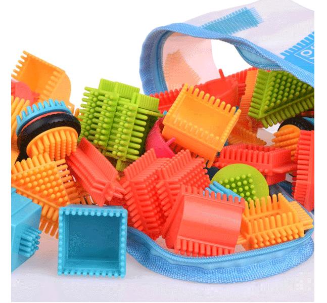HračkyZaDobréKačky barevné kostky 90 ks