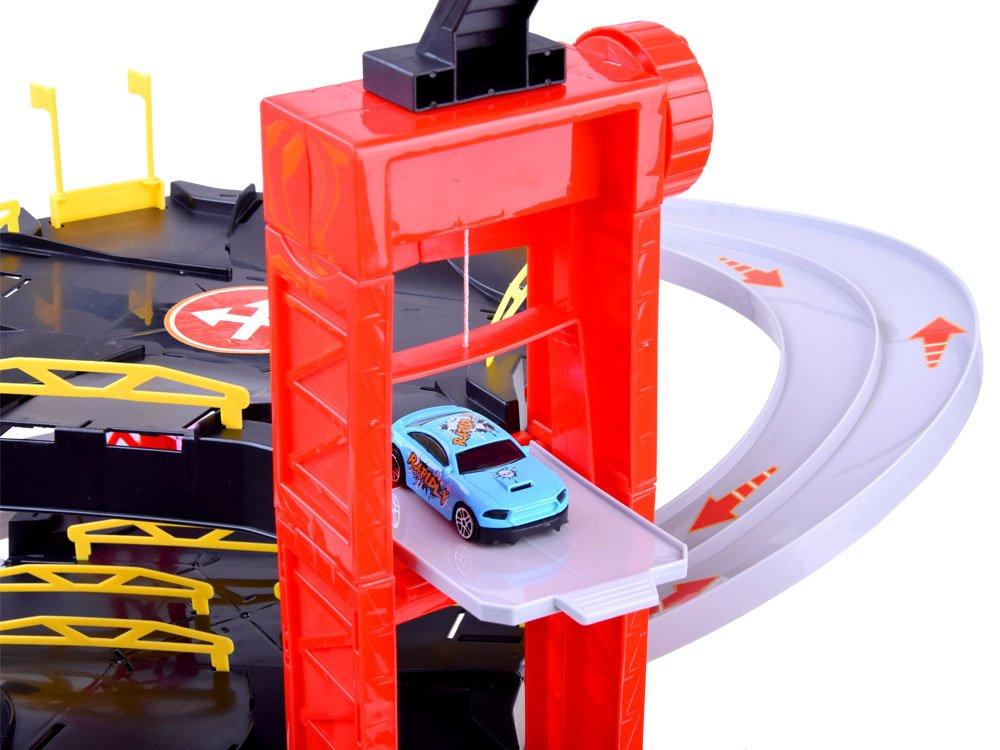 Patrové parkoviště s myčkou a garáží