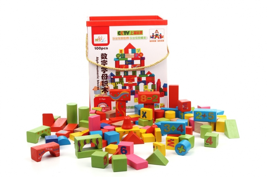 Dřevěné kostky v krabici 100 ks