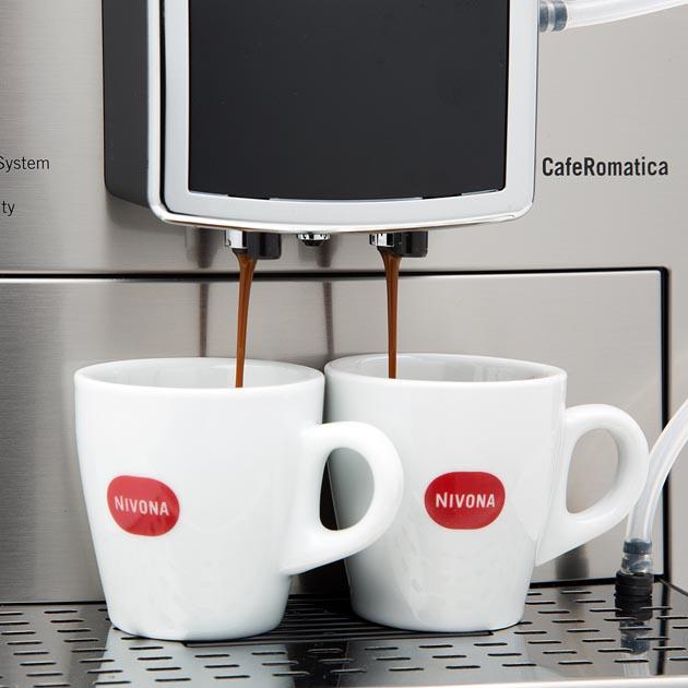 NICR 859 - V závislosti na vašich preferencích můžete mít nejprve kávu a pak mléčnou pěnu nebo naopak nebo oboje současně.